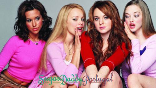 garotas contam segredos umas às outras